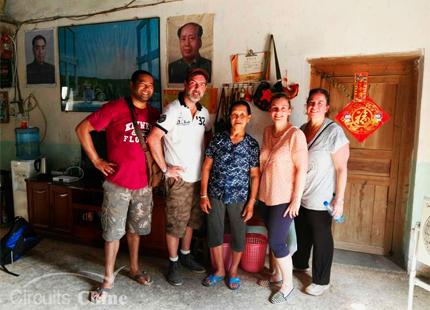 visita a la familia en Yangshuo