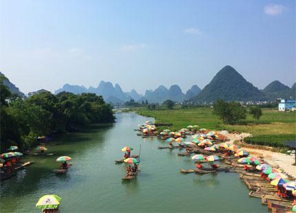 radeau sur la rivière Yulong