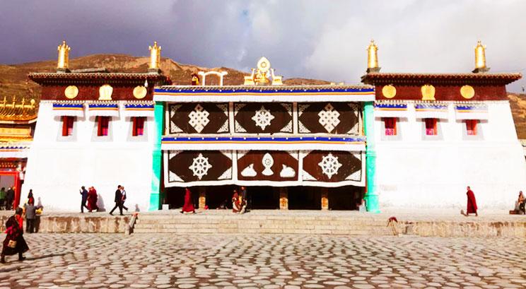 monastère de Langmusi