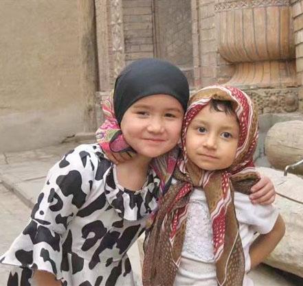 fille locale à Kashgar
